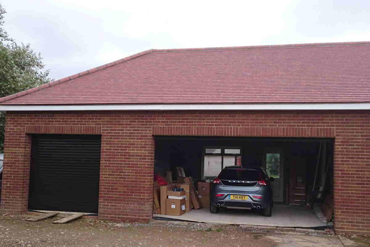 Garage-in-Battle,-East-Sussex
